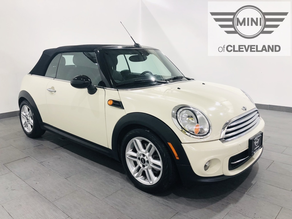 Pre-Owned 2013 MINI Convertible Cooper